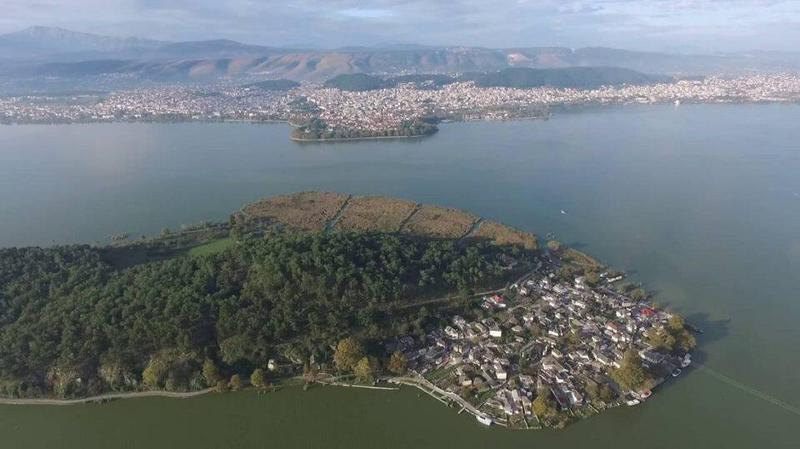 Γιάννενα: Μελέτη για γέφυρα Νησί- Ντραμπάτοβα ζητούν οι «Ορίζοντες Ηπείρου»