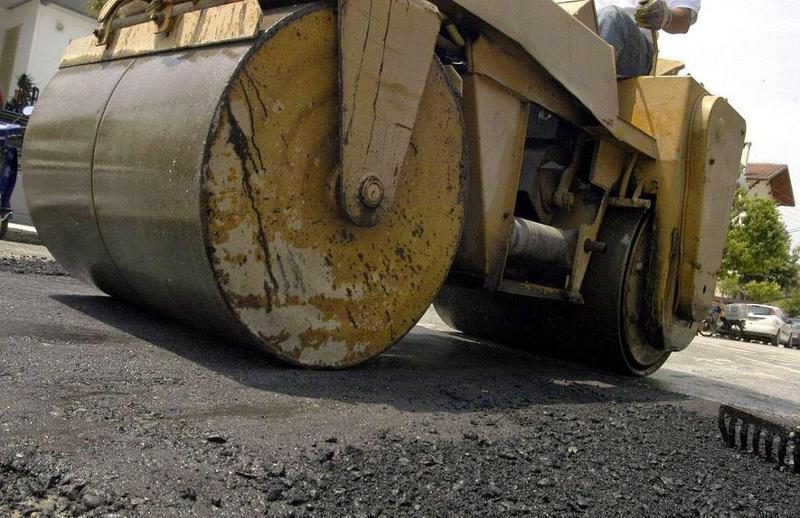 Τρία έργα για την αναβάθμιση των οδικών υποδομών