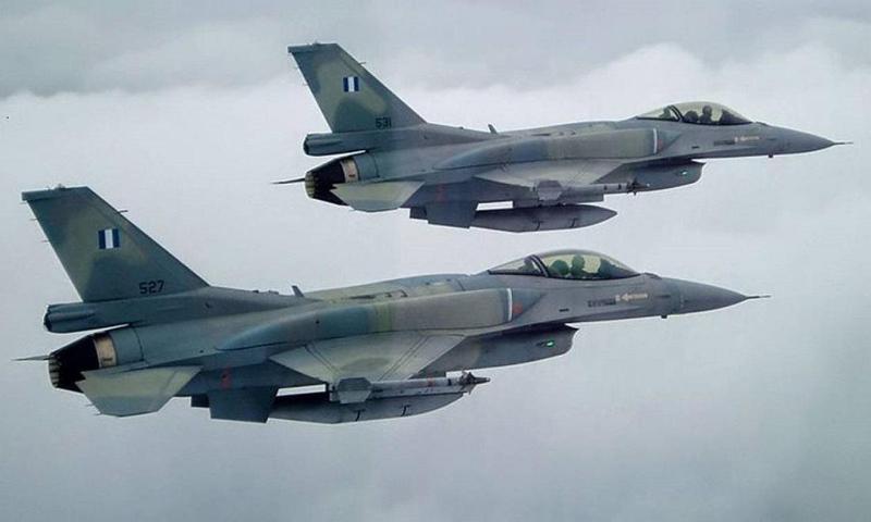 Διελεύσεις από ζεύγος μαχητικών F-16 πάνω από τα Γιάννενα