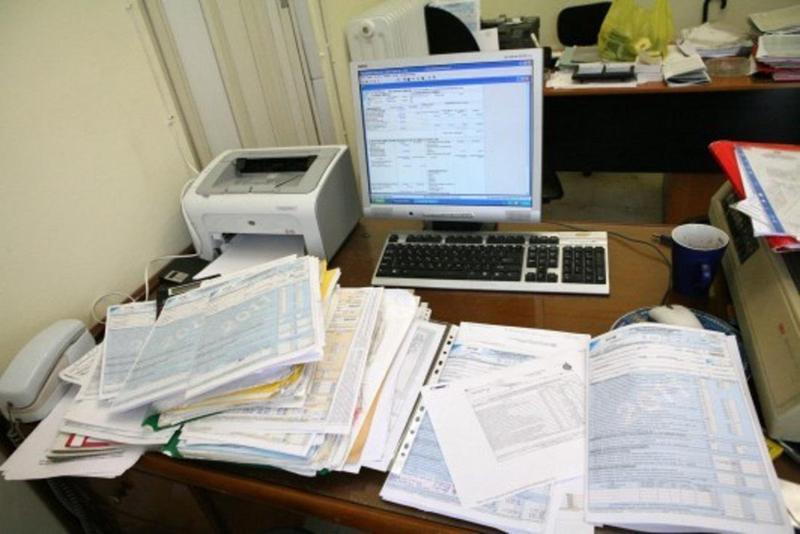 Υποχρεωτικά «μένουν γραφείο» οι λογιστές