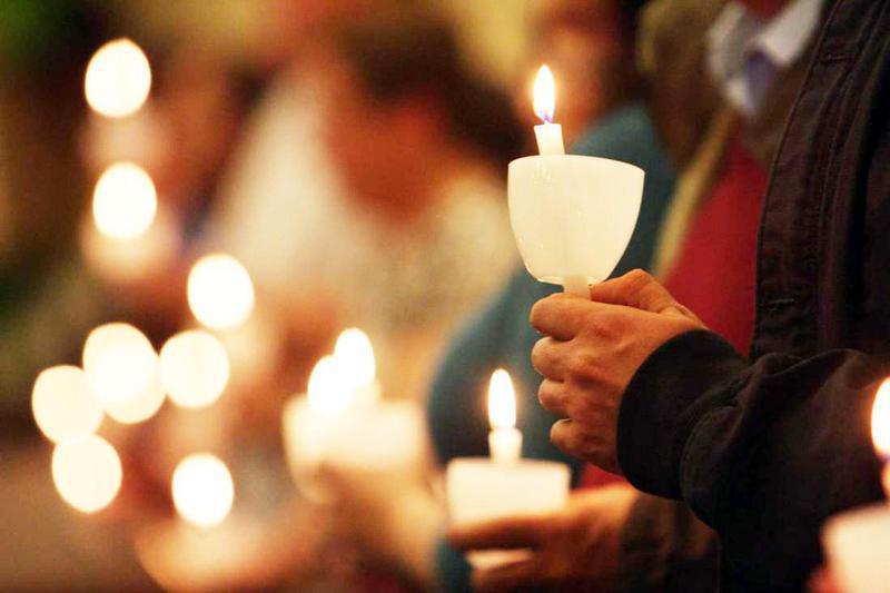 Στις 8.30 το βράδυ η Ανάσταση στους ναούς