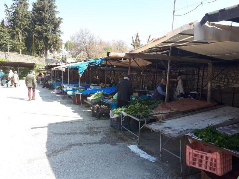 Γιάννενα: Φεύγουν τα στέγαστρα από αμίαντο από τη Λαϊκή της Αγίας Μαρίνας