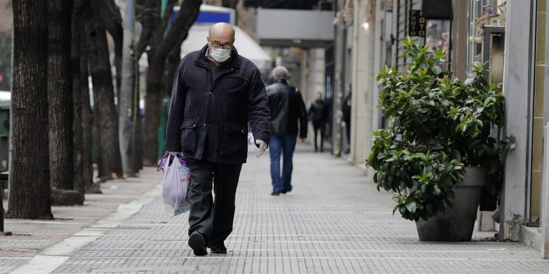 Μάσκες παντού και απαγόρευση νυχτερινής κυκλοφορίας από το Σάββατο