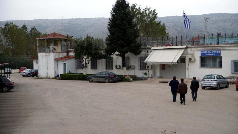 Κλιμακώνουν τις κινητοποιήσεις τους οι υπάλληλοι εξωτερικής φρουράς των φυλακών