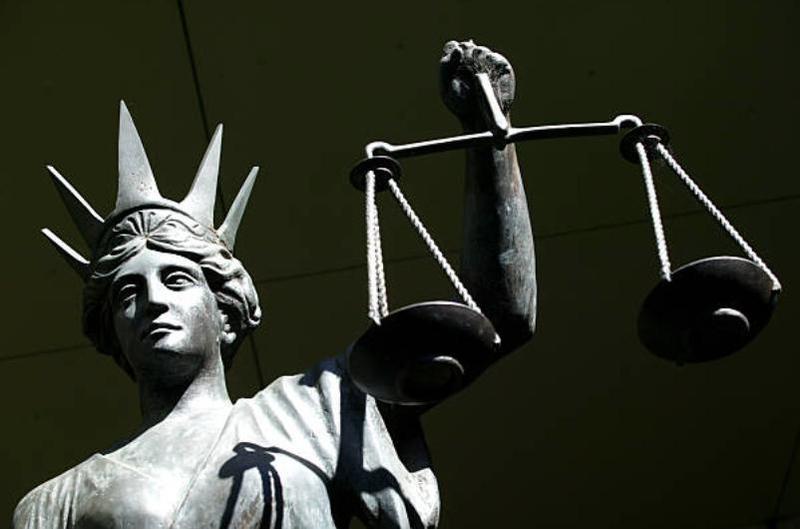 Πολιτική, Δικαιοσύνη και το όπλο του πολίτη