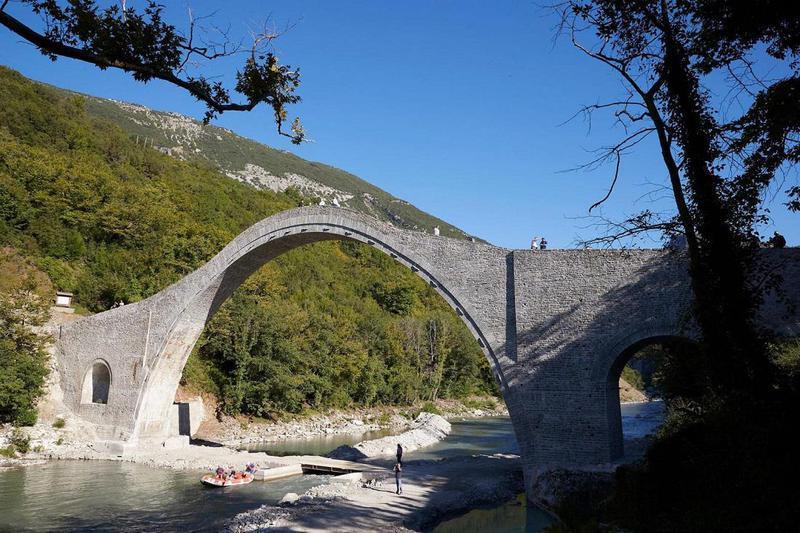 Γέφυρα Πλάκας- Μοναδική εκκρεμότητα το σχέδιο διαχείρισης