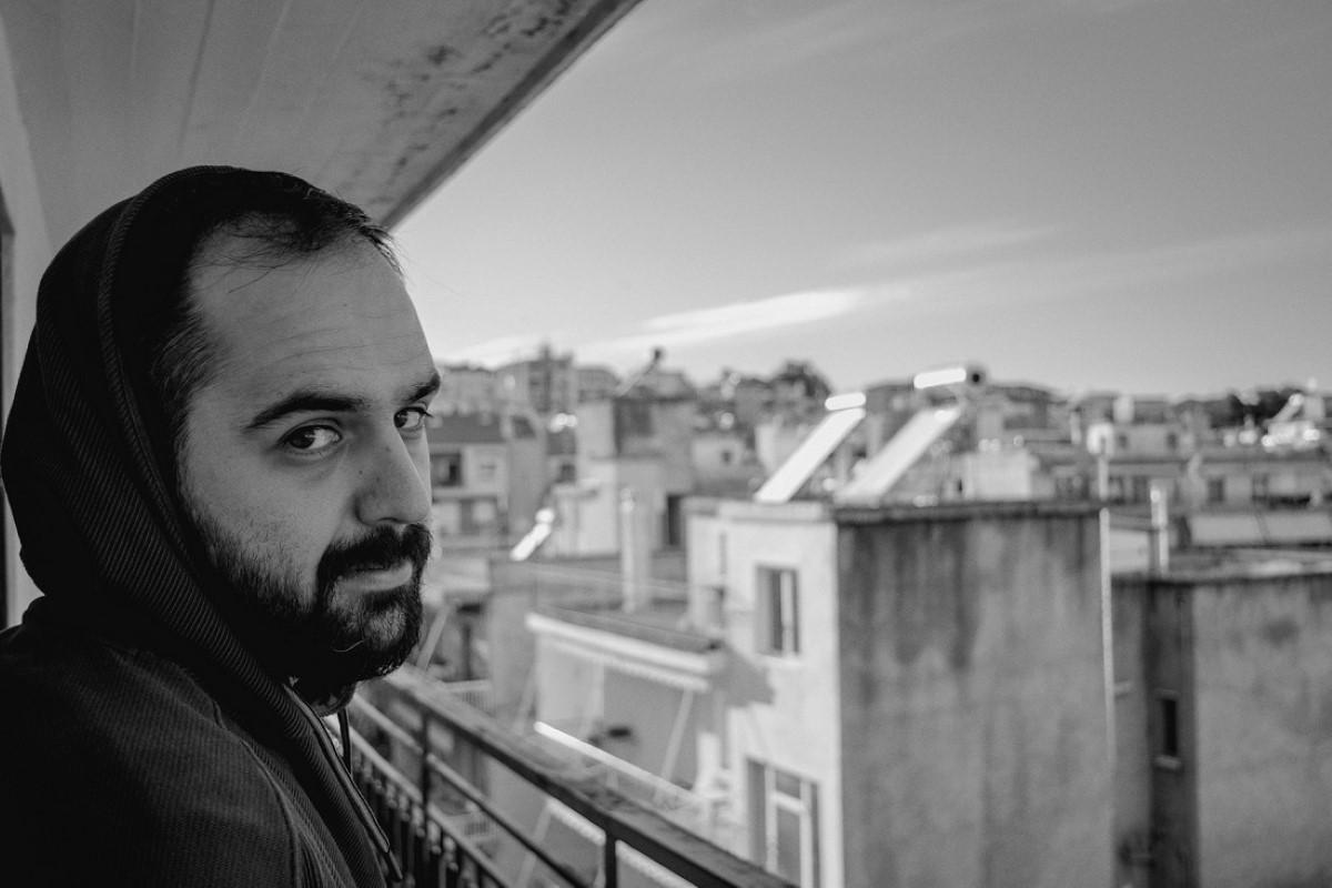 James Basdanis live στην αυλή του Θυμωμένου Πορτραίτου