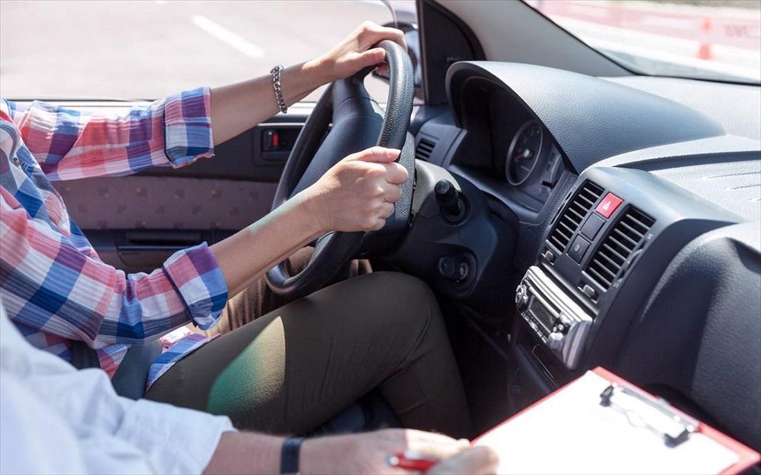 Σύλληψη ιδιοκτήτη σχολής οδηγών για πλαστογραφία